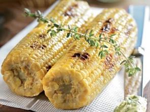 Кукуруза, приправленная маслом с травами