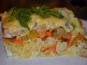 Запеканка из макарон с курицей и овощами