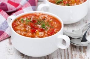 Суп овощной с томатом и рисом