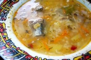 Рисовый суп с консервированной сайрой