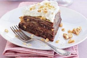 Блинный пирог с шоколадным пралине