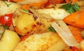 Тыква с картошкой, запеченная в духовке
